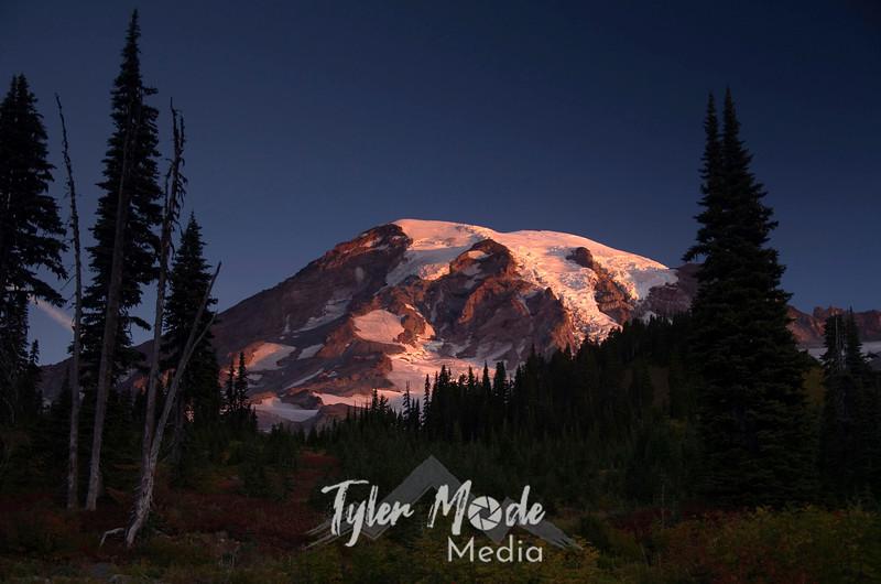 1557  G Rainier Fall Sunrise