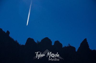 99  G Contrail and Governors Ridge