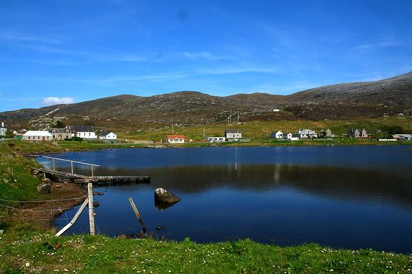 IMAGE: http://buttonmasher.smugmug.com/Landscapes/random-isle-of-harris-photos/i-8vbRVN6/0/M/IMG6186-edit-M.jpg