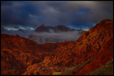 Sunrise on Rainbow Mountain in Red Rock NP