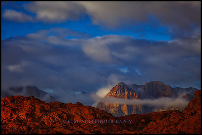 Sunrise on Rainbow Mountain in Red Rock NP.