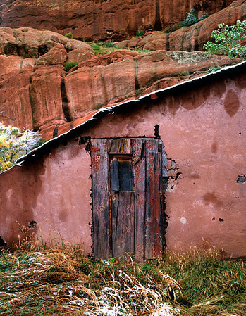 Red rock - red door.