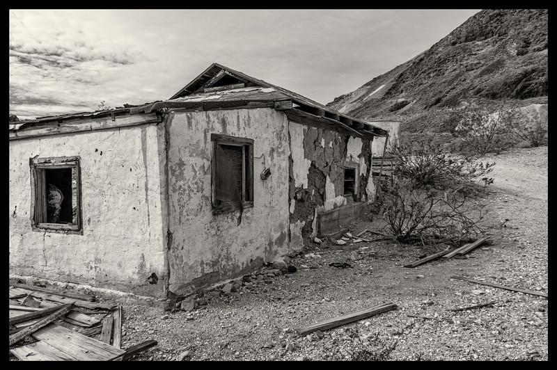 Rhyolite abandoned shack