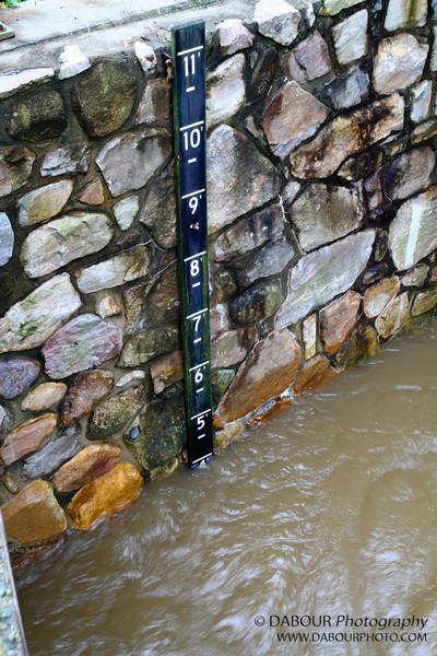 Flood gauge on the Mustonetcong river at the Bloomsbury bridge