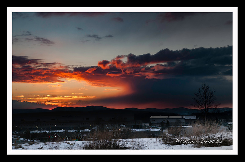 Sunrise over the Hudson - Beacon Hill on the skyline Beacon Hill,NY DSC8938