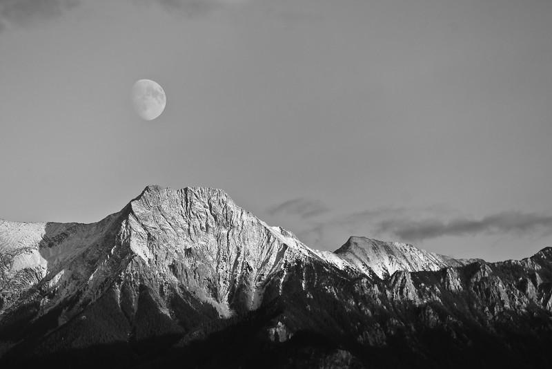 Harvest Moon and Chisel Peak