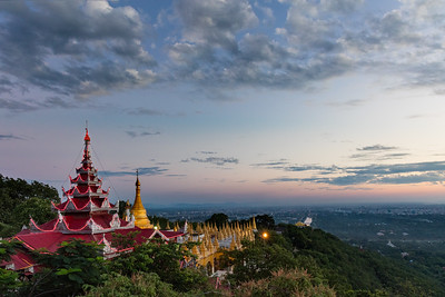 Sutaungpyay Paya Pagoda at sunset