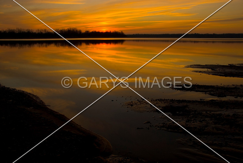 A GRAND SUNSET OVER THE TRANQUILL WATER