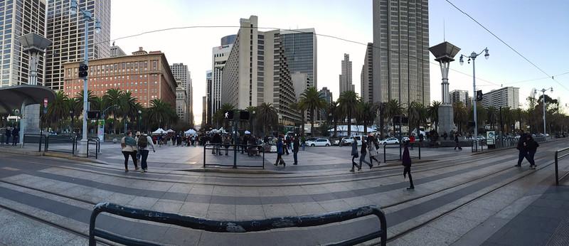 One Market and Embarcader Center<br /> San Francisco 2014-12-28 at 16-34-39