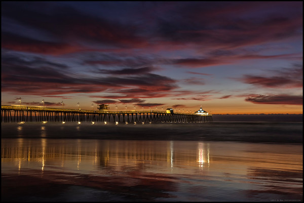 The deep reds finally appeared over the Imperial Beach Pier but I was starting to run out of usable beach as the tide continued to rise.