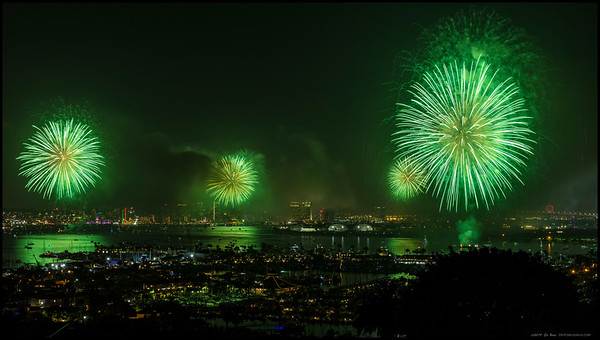 A midshow blast of green during the 2019 Big Bay Boom over San Diego Bay.