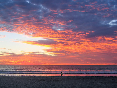 Magnificent sunset over the beach in San Diego