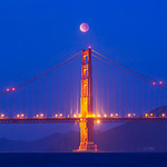 Lunar_Eclipse_Over_Golden_Gate_Bridge_Dragon_Moon-Red-Moon_D308927-Harrison