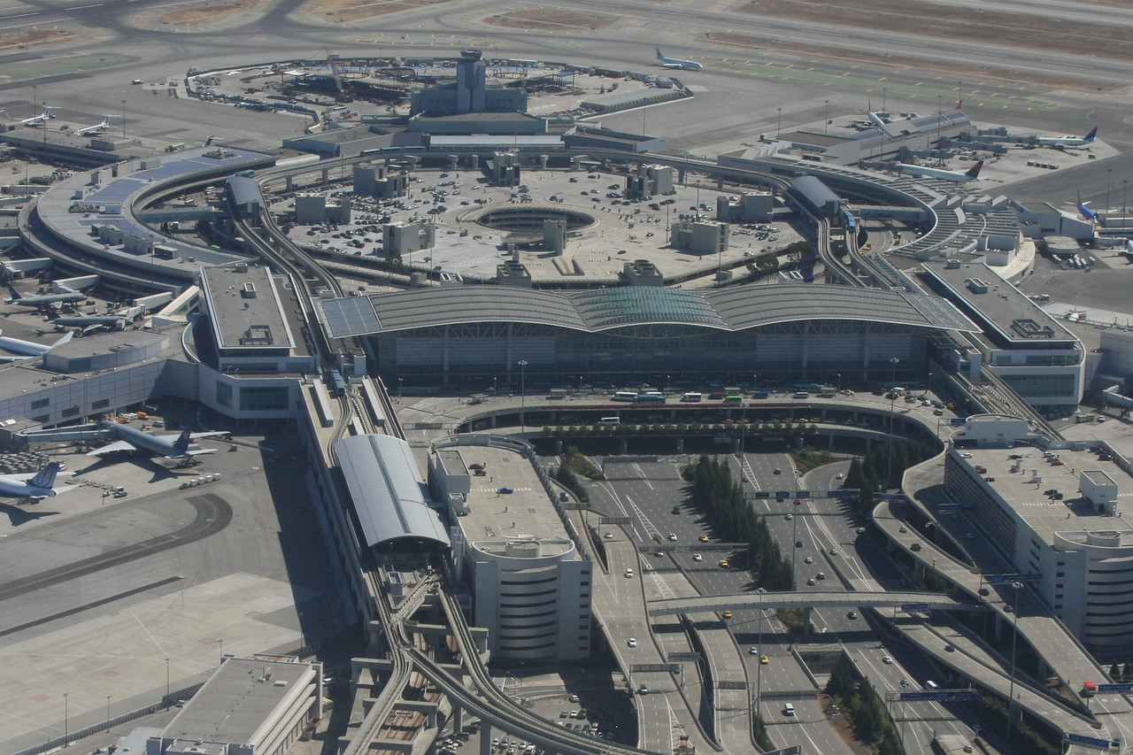 San Francisco International Airport<br /> Main Terminal<br /> 9/2009