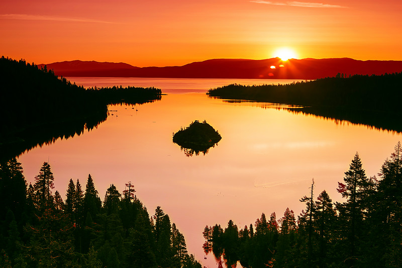 California; Dawn; Emerald Bay State Park; Lake Tahoe; Sunrise; 加利福尼亚; 太浩湖; 日出; 翡翠湾公园; 黎明
