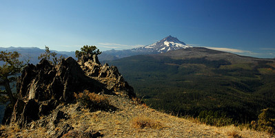 Mt Jefferson in the early Fall from Green Ridge.