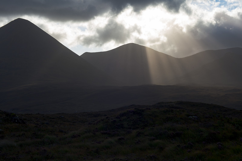 Rays at Meall Odhar Beag and Mor
