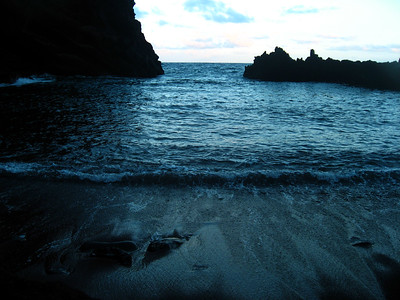 Red Sand Beach (3)