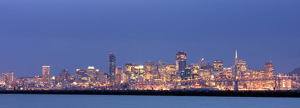 A clear view of the San Francisco Cityscape from Alameda