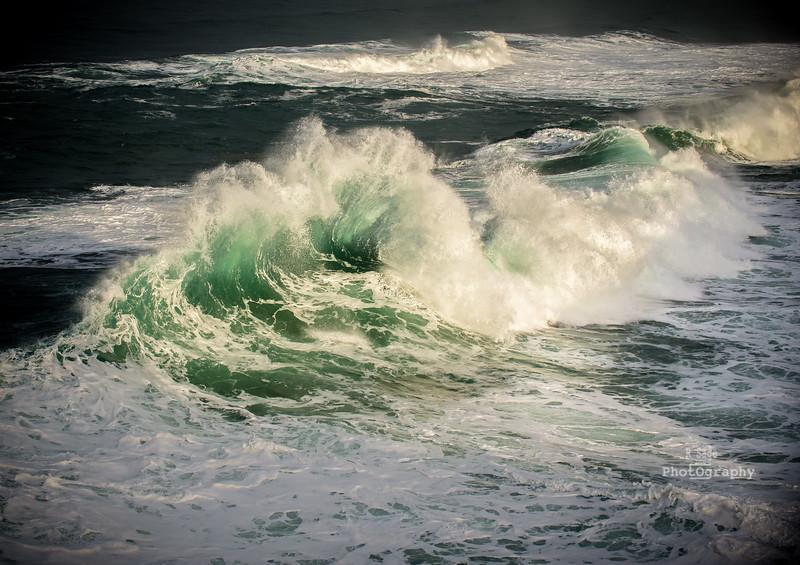 crashing wave-7507