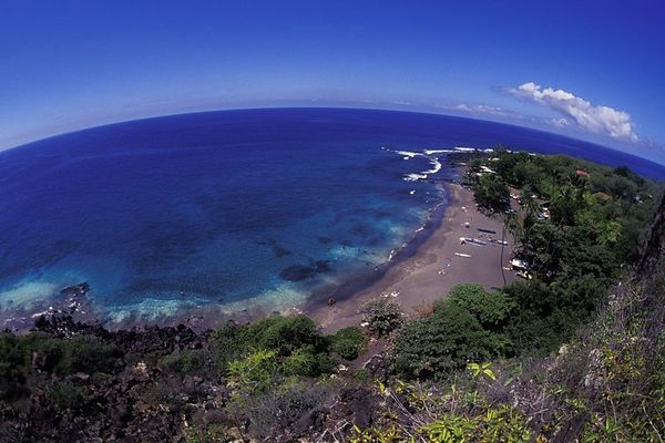 Ho'okena Beach as seen from the cliffs above , <br /> Hawaii ( Central Pacific Ocean )<br /> 1