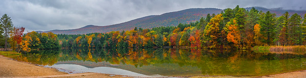 Lake Shaftsbury State Park In Autumn_Pano