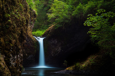Punch Bowl Falls, Columbia Gorge, USA