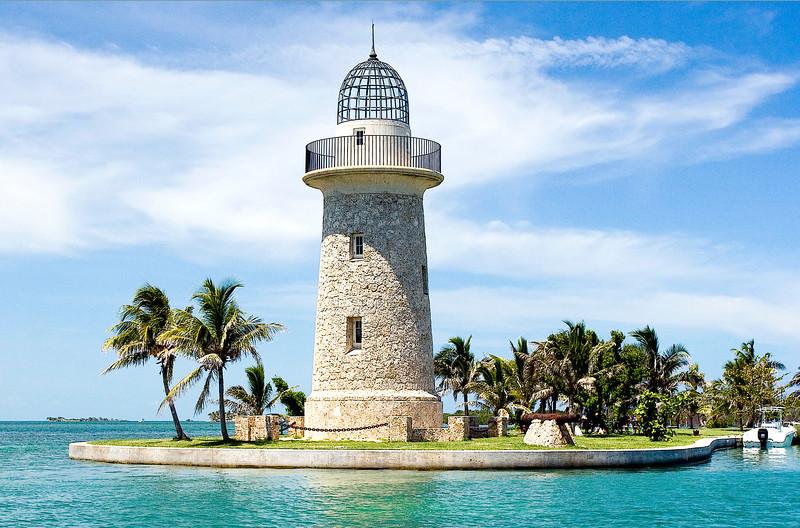 Boca Chita Light showing the texture of its Miami Oolitic Limestone construction