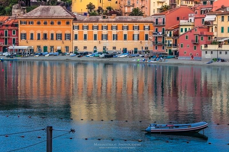 05/09/2014 – 07:44 Baia di Levante alle prime luci del mattino. Sestri Levante, Golfo del Tigullio, Riviera Ligure di Levante, Genoa Italy