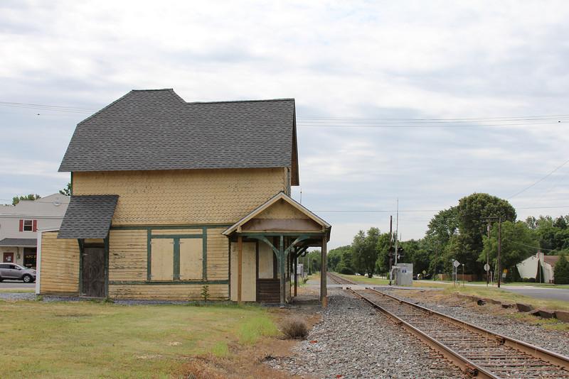 Abandoned Rail Station – Conrail ROW