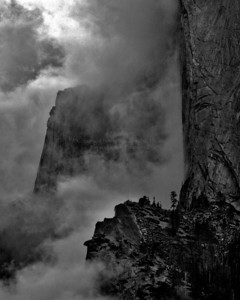 El Capitan Fog Yosemite, California