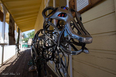 These two statues were complete made from recycled horse shoes...