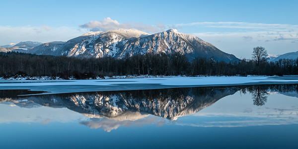Winter reflection of Mt Si