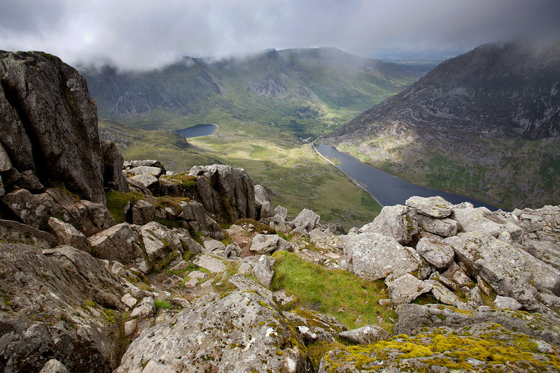 LOOKING DOWN FROM TRYFAN ONTO CYM IDWAL AND LLYN OGWEN