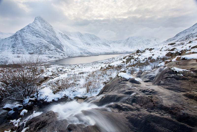 TRYFAN IN SNOW  2012