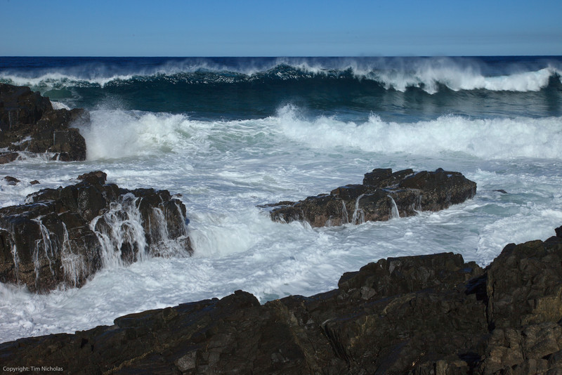 Hole In The Wall, rough seas