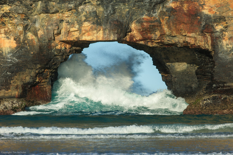 Hole In The Wall, angry sea