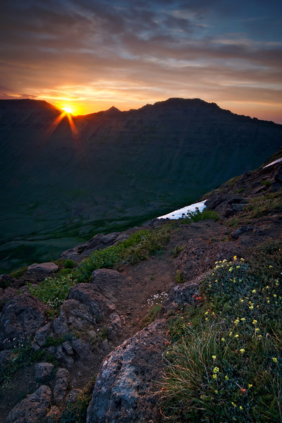 Sunrise at the Kiger Gorge viewpoint on Steens Mountain.