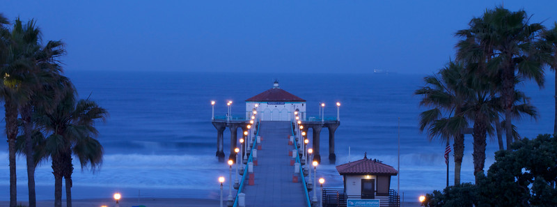 Manhattan Beach Pier, Manhattan Beach, CA. Sunrise, 5/19/11.