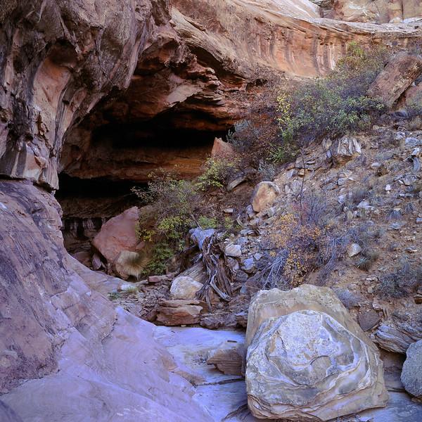 Boulder & Cave, Calf Creek Canyon, Utah