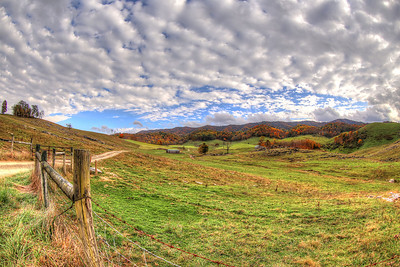 I find myself visiting this particular landscape in Rich Valley again and again. This farm is one of my favorite places to visit for photos in the area.