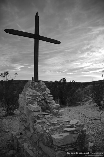 Big Cross black and white
