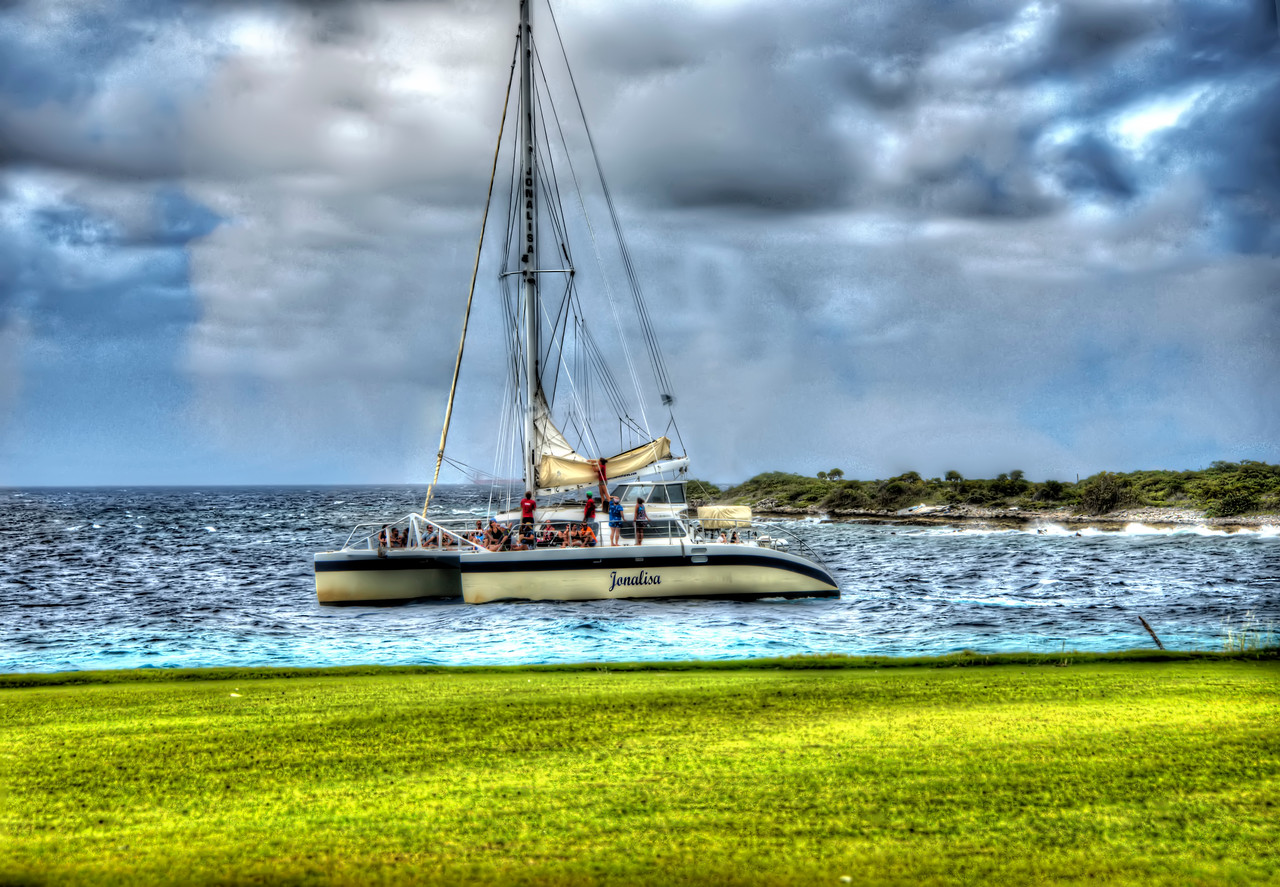 Curacao_Passing Sailboat_From Hyatt Golf Course