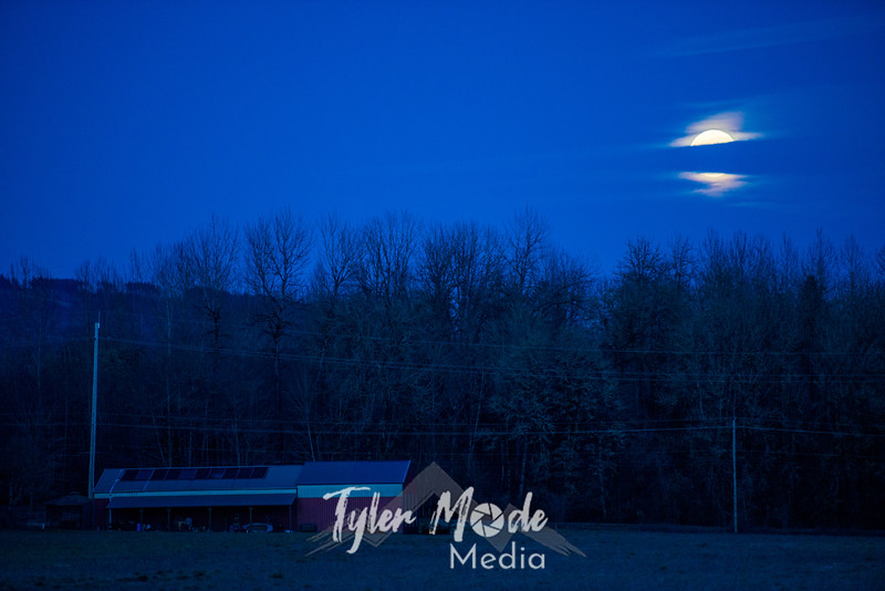 22  G Moonrise