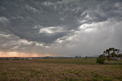 A small storm out the back of Beaudesert, QLD.