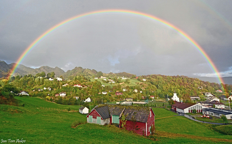 Regnboge over Strandvik<br /> <br /> Rainbow in my home village