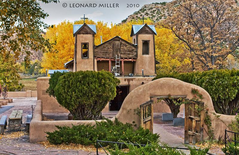 Santuario de Chimayo - Potrero, New Mexico