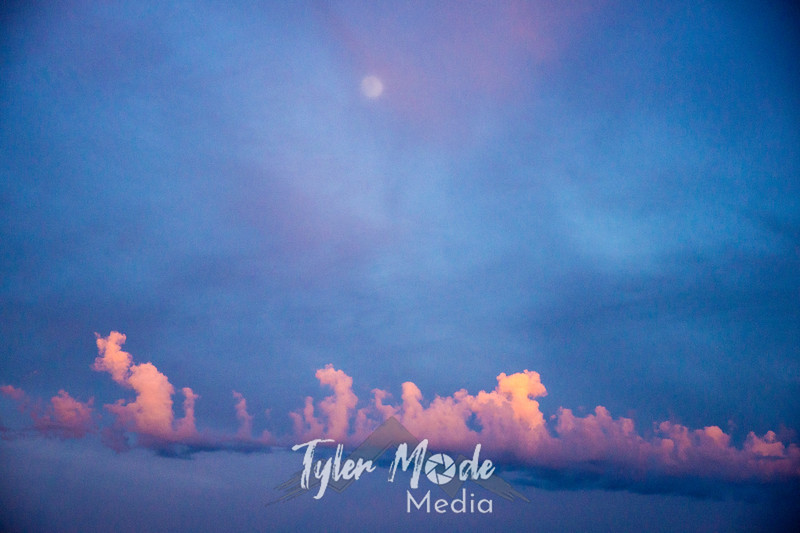 16  G Sunset Instability and Moon