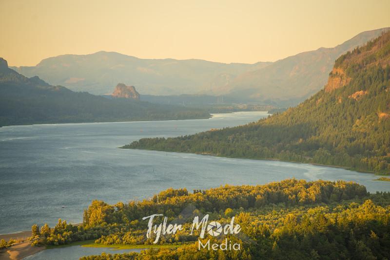 17  G Gorge Sunset Beacon Rock