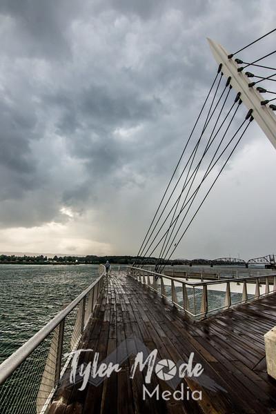 12 G Stormy Waterfront V